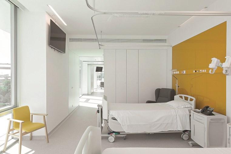 Edifício à beira Tejo tem 213 camas de internamento geral: 71 quartos duplos e 71 individuais