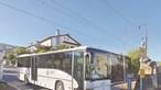 Herói salva 57 crianças presas em autocarro na linha de comboio