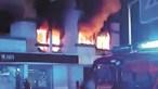 Cadáver encontrado escondido atrás de tábuas após incêndio no Estoril