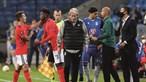 Erros de Grimaldo colocam titularidade no Benfica em risco