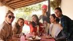 Escapadinha entre atrizes amigas gera onda de críticas
