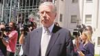 Banqueiros suspeitos de desviar centenas de milhões de euros do BES Angola