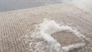 Depressão Alex traz vento intenso, descida das temperaturas e chuva para Portugal continental