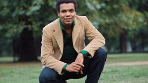 """Morreu Johnny Nash, o cantor do famoso tema """"I Can See Clearly Now"""""""