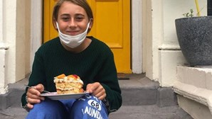 Rapaz de 11 anos percorre 2800 quilómetros para voltar a abraçar avó
