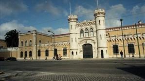 Jovem recluso dá alerta para morte do primo na cadeia de Lisboa