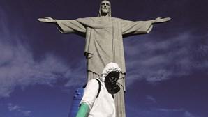 Brasil regista mais de 15 mil casos e aproxima-se da marca de 20 milhões de infetados