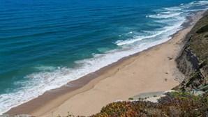 Câmara de Sintra interdita praias e proíbe circulação em zonas de arriba