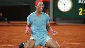 Tenista Rafael Nadal bate Djokovic e faz história ao igualar recorde de Grand Slams de Federer em Roland Garros