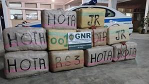 GNR apreende embarcação com 785 quilos de haxixe