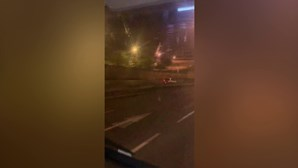 Mulher de 65 anos circula em contramão no Eixo Norte-Sul e na ponte 25 de Abril