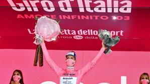 """""""Estou confiante"""": Ciclista João Almeida mantém camisola rosa no Giro de Itália"""