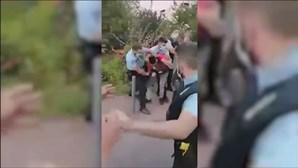 Condutor mal estacionado desrespeita polícia e obriga a reforços da PSP em Chelas