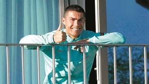 Cristiano Ronaldo volta a testar positivo para a Covid-19