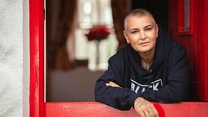 """""""Estou a morrer de fome"""": Cantora Sinead O'Connor luta contra agorafobia"""