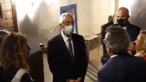 """""""Não tem ponta por onde se lhe pegue"""": Marcelo dá 'aula' a negacionista da Covid-19"""