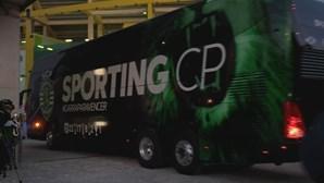 Equipa leonina recebida com euforia à chegada ao Estádio de Alvalade