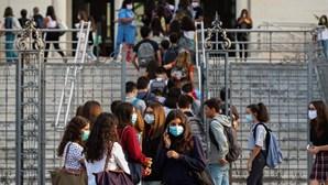 Número de professores com saídas para a reforma ultrapassam previsões