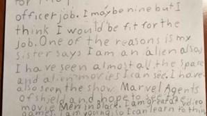 """""""A minha irmã diz que sou um extraterrestre"""": Menino de 9 anos escreve carta à NASA para proteger o planeta"""
