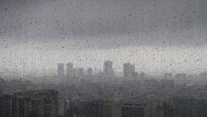 Condições meteorológicas vão agravar-se esta manhã. Veja aqui os conselhos da Proteção Civil
