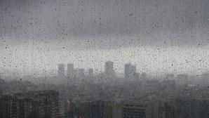 Portugal Continental sob aviso amarelo devido a chuva e vento forte
