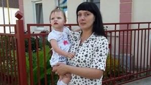 Mãe mata filha de três anos à pancada com martelo após overdose de antidepressivos