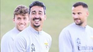 """""""Muito duro e difícil"""": André Almeida quebra silêncio sobre grave lesão no jogo do Benfica frente ao Rio Ave"""