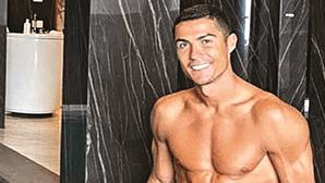 """Ministro italiano diz que Cristiano Ronaldo se sente """"acima dos outros"""""""