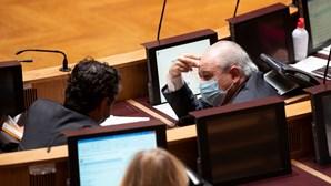 Deputados chumbam referendo à eutanásia