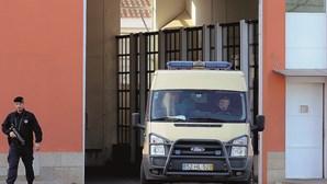 Estado indemniza recluso após tratamento desumano na cadeia do Porto