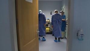 Ausência de profissionais de saúde nos hospitais públicos dispara entre março e agosto