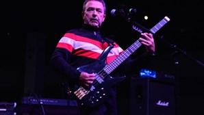 Morreu Tony Lewis, vocalista da banda britânica 'The Outfield'