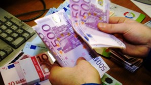 Pandemia agrava défice em 7767 milhões de euros