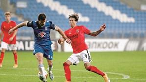 Teoria de Darwin impera em triunfo sofrido do Benfica na Polónia