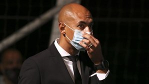 Luisão, Waldschmidt e três elementos da equipa técnica do Benfica testam positivo à Covid-19