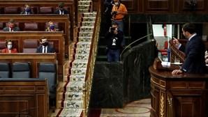 Discurso de Pablo Casado rompe união da direita em Espanha