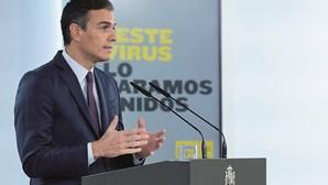 Sánchez resiste a impor recolher obrigatório em Espanha