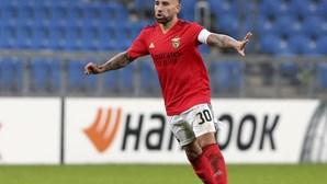 Plantel do Benfica aceita capitão Otamendi