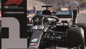 Hamilton conquista pole position no Algarve