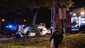 Homem de 28 anos morre em despiste na Estrada da Circunvalação no Porto. Há dois feridos