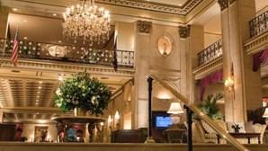 Hotel histórico em Nova Iorque obrigado a fechar portas devido à pandemia da Covid-19