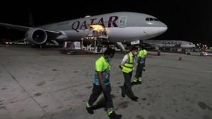 Passageiras da Qatar Airways forçadas a fazer exames ginecológicos após descoberta de recém-nascido