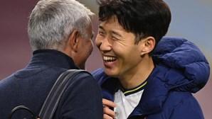 Dupla Kane e Son resolve encontro difícil para Tottenham de Mourinho