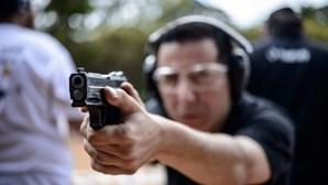 Armas nas mãos de civis no Brasil triplicaram
