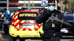 Megaoperação policial após ataque com faca na catedral de Nice em França