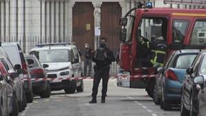 Governo francês lança alerta terrorista em todo o país após ataque em Nice