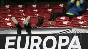 Estádio da Luz volta a receber adeptos do Benfica vários meses depois. Veja as imagens