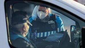 """""""Levem-me preso se quiserem, mas hoje vou para a quinta"""": Condutores protestam durante fiscalização à circulação entre concelhos"""