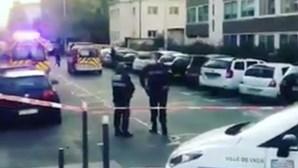 Padre baleado em tiroteio na cidade francesa de Lyon