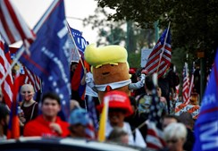 Alguns apoiantes de Trump juntaram-se no exterior do campus da Universidade do Utah, em Salt Lake City, onde o debate se realizou